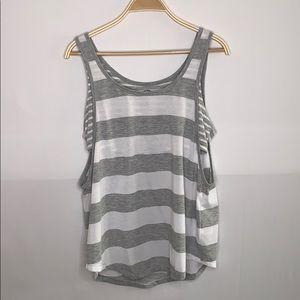 Women's active shirt XL